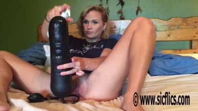Lilys XL fisting & insertions