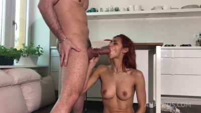 Hot latina girlfriend Veronica Leal gives perfect blowjob