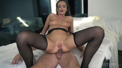 Rebecca Volpetti, Tina Kay…