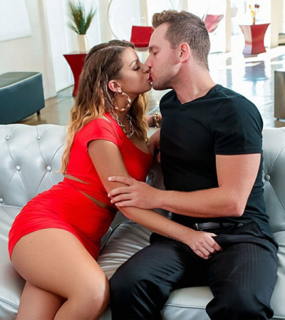 Brooklyn Chase - Graphic In Traffic FullHD 1080p