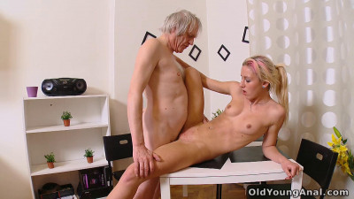 Description Old and Young Russian Anal