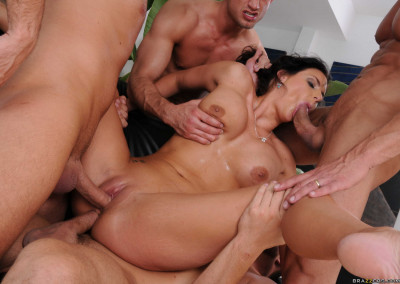 Hottie Gets Unforgettably Fucked Hard By Four Dudes
