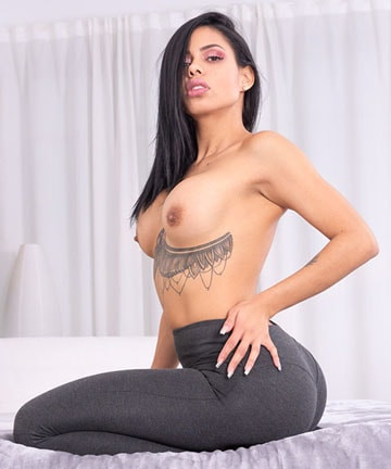 Canela Skin - Big Booty Latina Loves Anal and Squirting FullHD 1080p