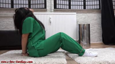 Description I love Bondage - Handcuffed surgery nurse