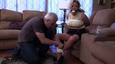 When her husband was away, the MILF wanted to play