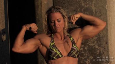 Description Marnie Holley - Fitness Model