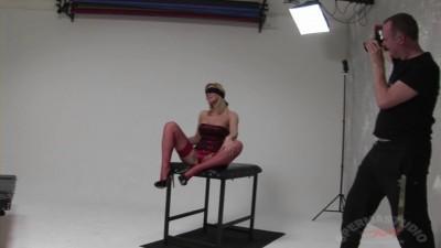 GB Eva blindfold white studio