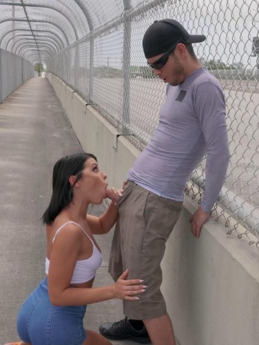 Adriana Squirts From Anal in Public FullHD 1080p