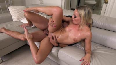 Victoria Pure – My Boss Loves My Feet (2021)