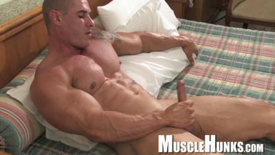 MuscleHunks — Brian Gunns — Raw Buffness