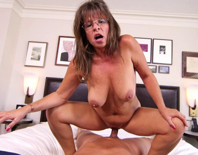 Carry Ann – Sexy cougar slut prime for porn (2019)