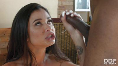 Jade Presley – Blowjob Persuasion