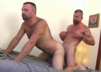 Insatiable Fuck With Sexy Bears
