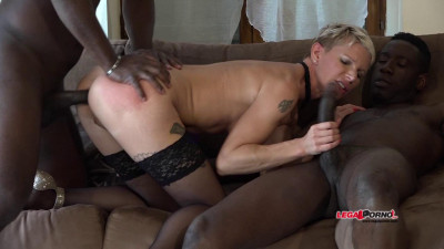 French Milf Mia Wallace like hard interracial double anal and DP