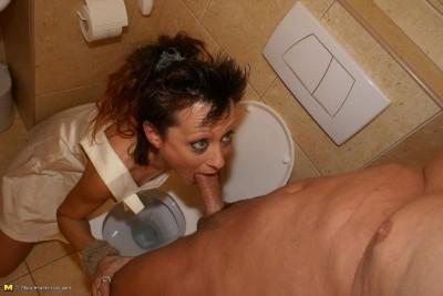 Description ryanna toilet slut