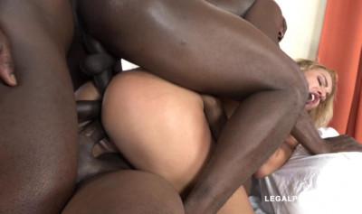 White slut gangbanged by three black dudes with triple fuck