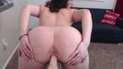 Big tit milf in glasses rox fucked herself with dildo