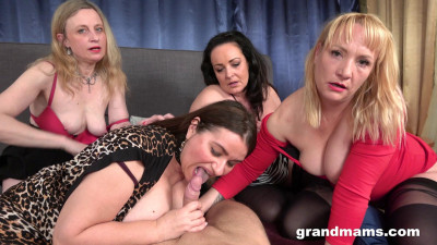 Orgy with four mature sluts