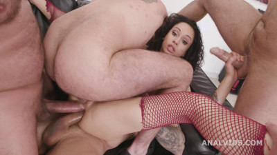 Naked Barefoot goes wet Stacy Bloom – Anal Fisting, Dap,Tp