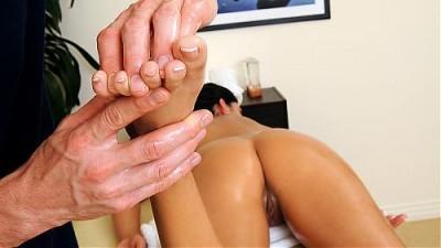 Nikki Daniels - Massage Time
