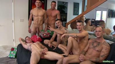 Description Christmas 2016 - 6-Man Orgy