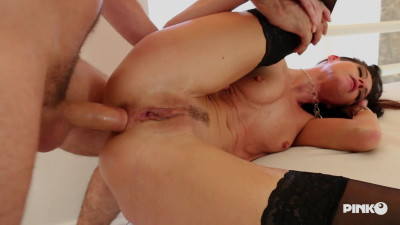 Horny And Insatiable She Squirts When She Enjoys