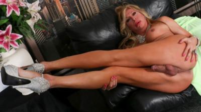 Fabulous fabiola blonde!