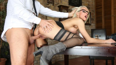 Sophie Logan — Blonde German Milf rides boss and gets cum on pussy (2017)