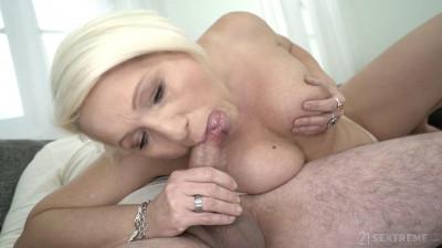 Bibi Pink, Leslie Taylor - Flashing Pink