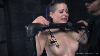 Tight bondage, spanking and torture for very sexy model