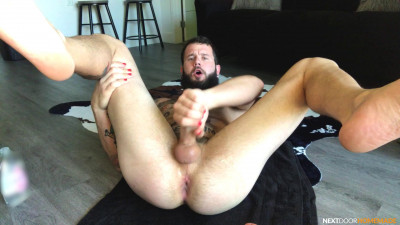 Description Hole Play & Jerking with Johnny Hill