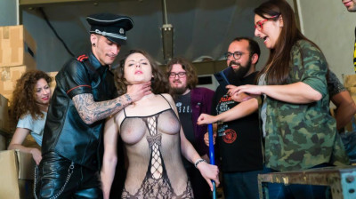 Sofia Curly – Beauty & the bondage beast