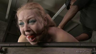 Delirious Hunter Blondie in Bondage
