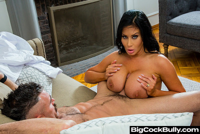 Sybil Stallone – Tired of her husbands bullying and his little dick (2020)