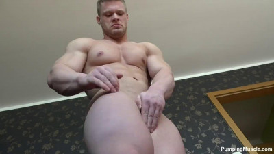 Pumping Muscle - Gary E. Photoshoot Part 4