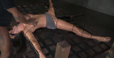 Fit Milf Wenona Strictly Restrained