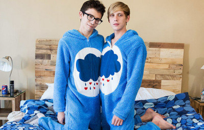 BareTwinks - Cute Onesie Boys Get Very Dirty! (Kyle Rhodes, Cameron Hilander)