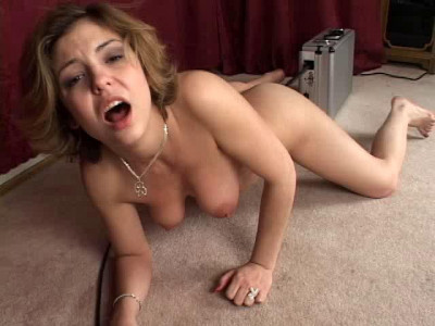 Sex machine fuck and she cums