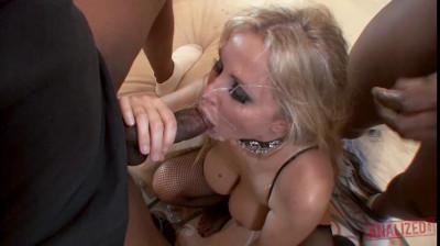 Julia Ann Needs Big Black Cock In Her Ass