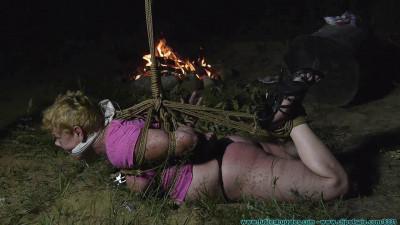 FutileStruggles - The Bugs Feast on Alice as I Feast on Roasted Marshmallows