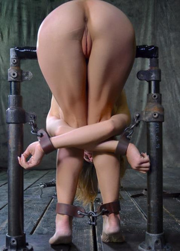 Amber Rayne Assfucked By 2 Big Dicks While Folded In Half And Restrained In Strict Metal