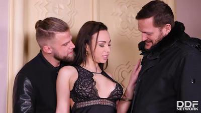Regina Sparks - After Gym DP Threesome