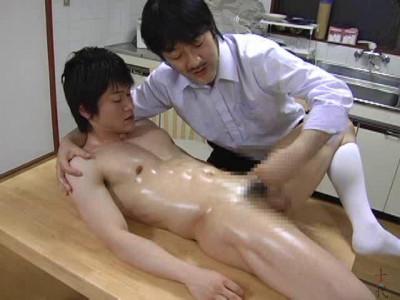 Famous Gymnast U-kun and Hist Demon