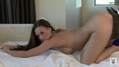 Laya LeOwn — Sexy Wives