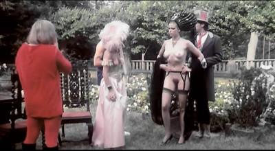 Description Alice In Wonderland(1979)- Kristine De Bell, Angel Barrett