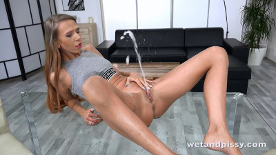 Paris Devine - action, legs, dildo, squirting