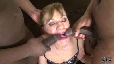 Lilla – Granny In Hot Interracial Threesome