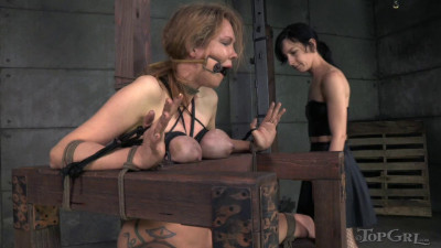 Description TG - The Toying with Rain - Rain DeGrey and Elise Graves