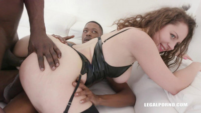 Sofya Curly discovers and enjoys black cock feeling (2018)