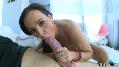 Lisa's Royal Anal Treatment HD